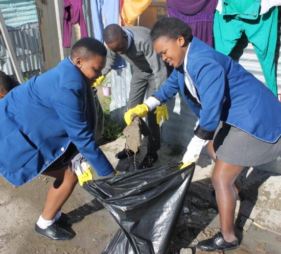 Sinenjongo students for Mandela Day