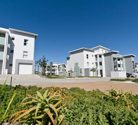 grosvenor square exterior and lawn